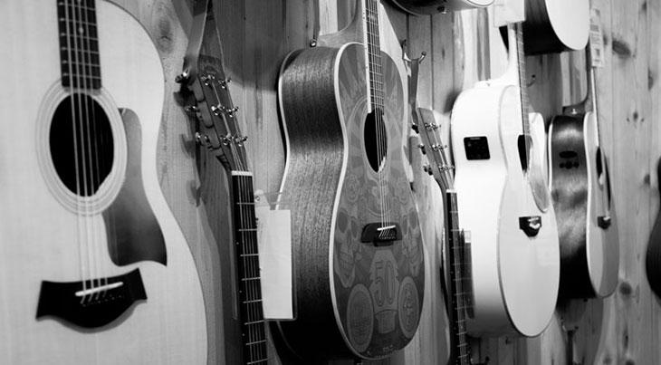 Thanh lý đàn guitar cũ giá rẻ