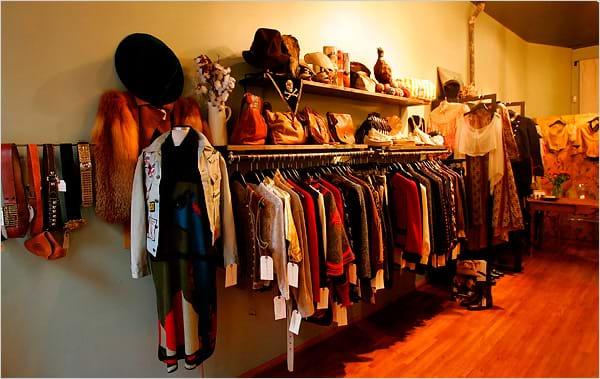 Có nên mua quần áo cũ hay không?