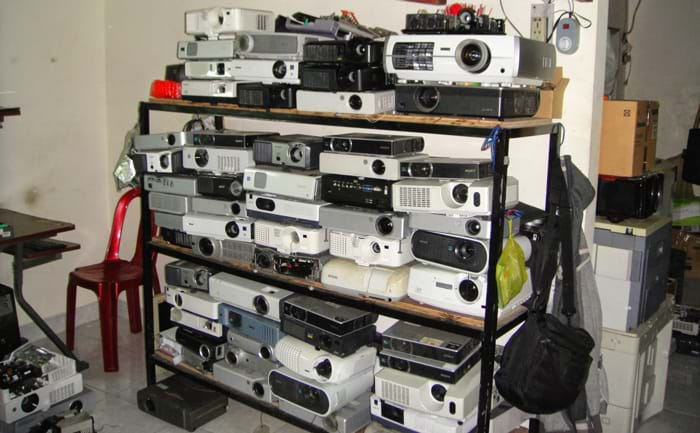 Kho máy chiếu thanh lý cũ VinaSave