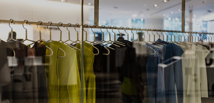 Thanh lý nội thất cửa hàng thời trang