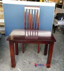 Bộ bàn ghế màu đỏ gỗ cũ