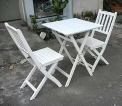 Bộ bàn ghế gỗ ngoài trời màu trắng cũ