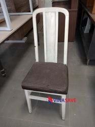 Ghế bọc nệm gỗ tự nhiên cũ