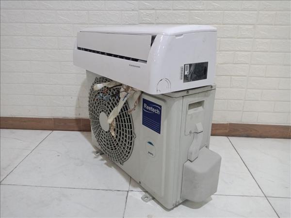 Máy lạnh Reetech RT9-DB cũ SP010226