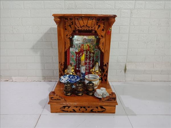 Bộ bàn thờ ông địa gỗ cao su cũ SP010521