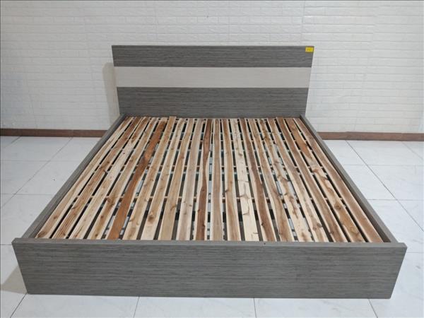 Giường gỗ cũ SP010227