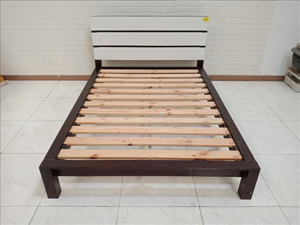 Giường gỗ Dầu - thông cũ SP010382