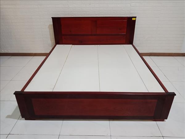 Giường gỗ Sồi cũ SP010199
