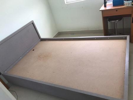 Giường gỗ MDF cũ  SP014490