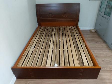 Giường gỗ MDF cũ SP014519