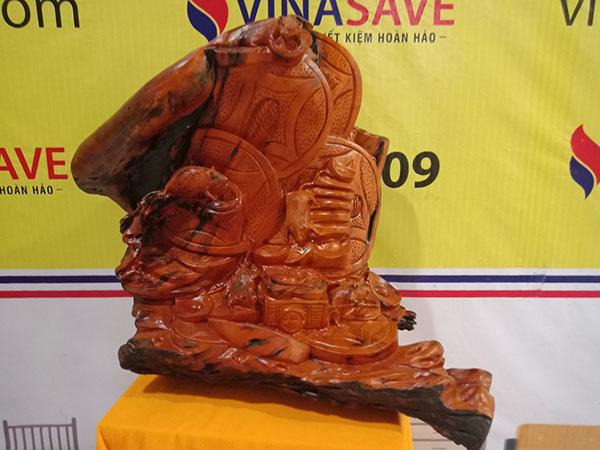Tượng ngũ Tý vờn tiền tài lộc gỗ Gõ Đỏ 65x76x47 cm