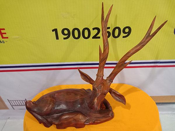 Tượng con Nai gỗ Hương Đỏ 70x63x34 cm