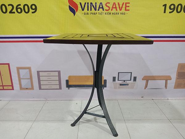 VinaSave thanh lý Bàn cafe cũ kiểu dáng đơn giản, mặt vuông nhỏ gọn, khung chắc chắn - 5235
