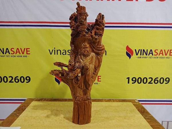 Đạt Ma dưới gốc Tùng gỗ Hương Gia Lai 97x47x37 cm