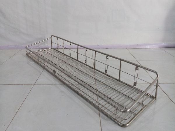 Thanh lý giá rẻ Giá inox cũ kiểu dáng nhỏ gọn, dễ dàng làm kệ nhà tắm, kệ đựng gia vị - 5515