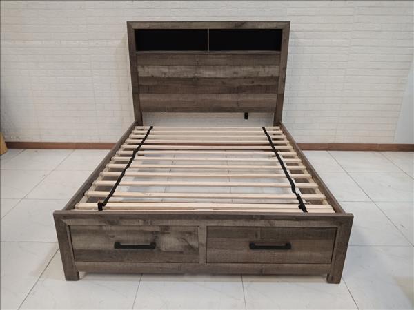 Giường gỗ cũ SP010990