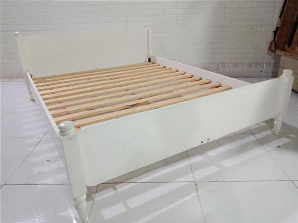 Giường gỗ cao su cũ SP010965