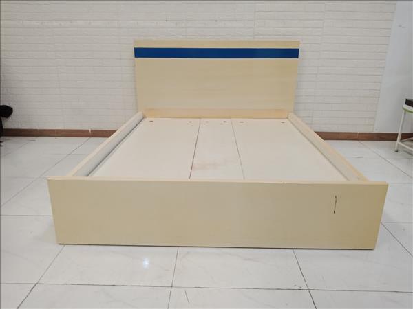 Giường gỗ cũ SP010834