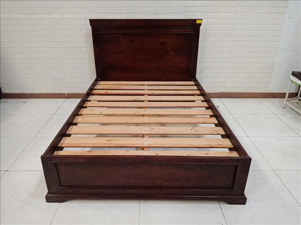 Giường gỗ cao su cũ SP010706