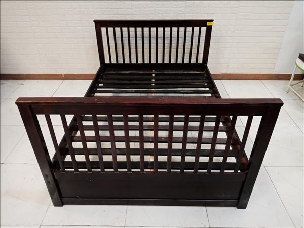 Giường gỗ cao su cũ SP010835