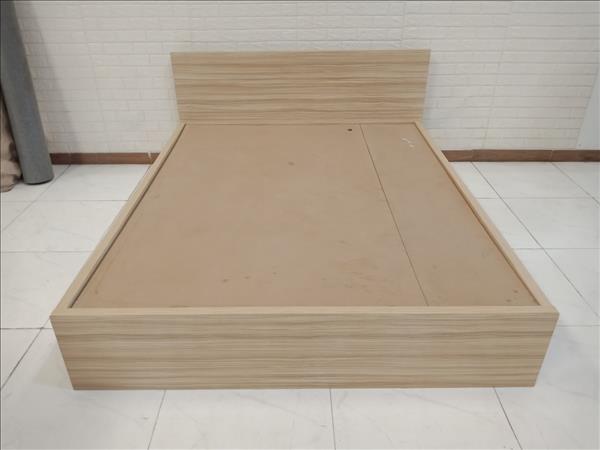 Giường gỗ cũ SP010869