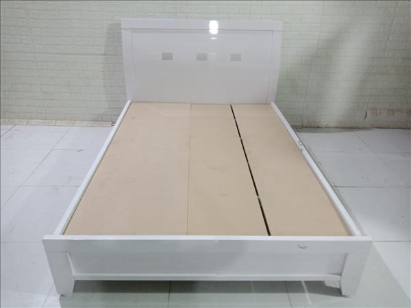 Giường gỗ cũ SP011074