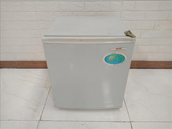 Tủ lạnh Sanyo SR-S248GYN cũ
