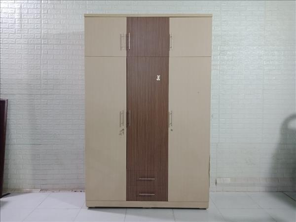 Tủ quần áo cũ SP010937