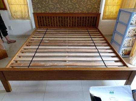 Giường gỗ tự nhiên cũ SP014736