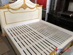 Giường gỗ căm xe màu trắng cũ
