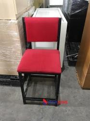 Ghế nệm khung sắt cũ màu đỏ