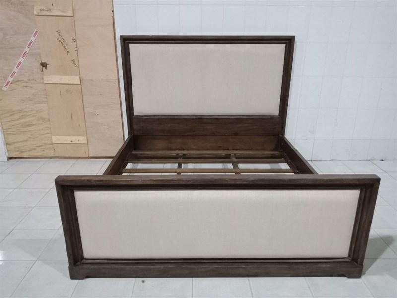 Thanh lý Giường gỗ tự nhiên đã qua sử dụng còn rất tốt, giá ưu đãi-2235