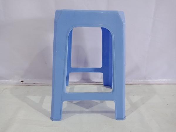 Ghế nhựa cũ SP005629