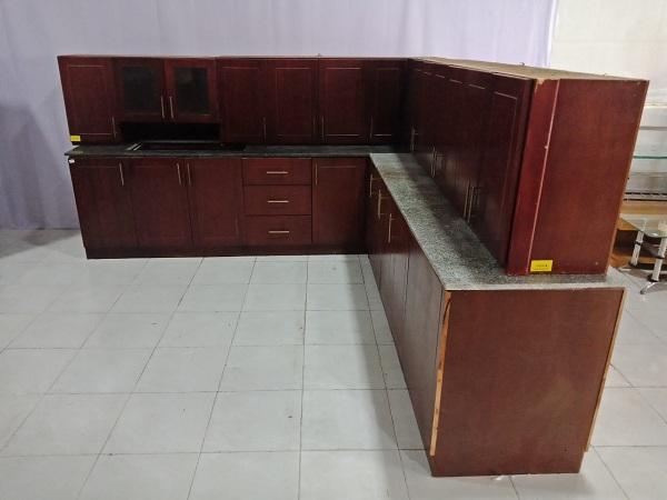 Kệ bếp cũ chất liệu gỗ tự nhiên phối một phần mặt đá sang trọng, chắc chắn - 5790