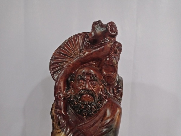 Tượng Đạt Ma Sư Tổ gỗ Hương 116x39x47 cm