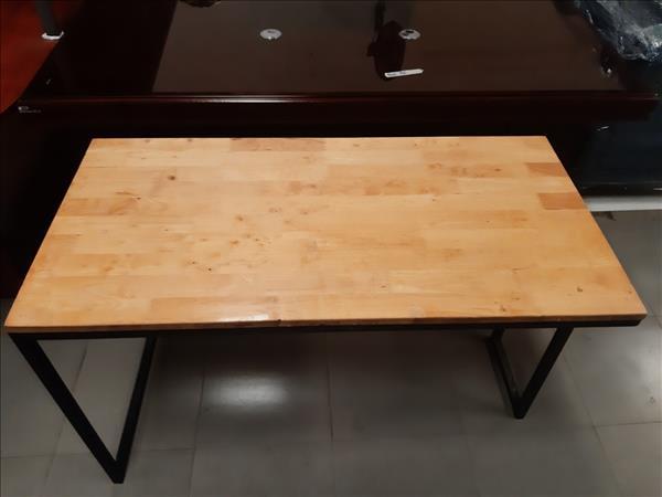 Bàn làm việc gỗ cao su cũ SP011339