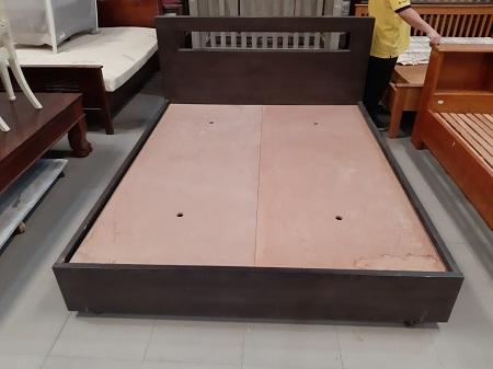 Giường gỗ MDF cũ  SP014852