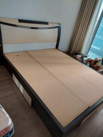 Giường gỗ MDF cũ  SP014924