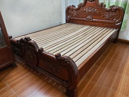 Giường  gỗ tự nhiên cũ SP014888
