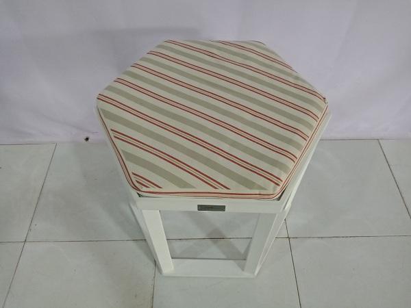 Ghế đôn cũ SP006442
