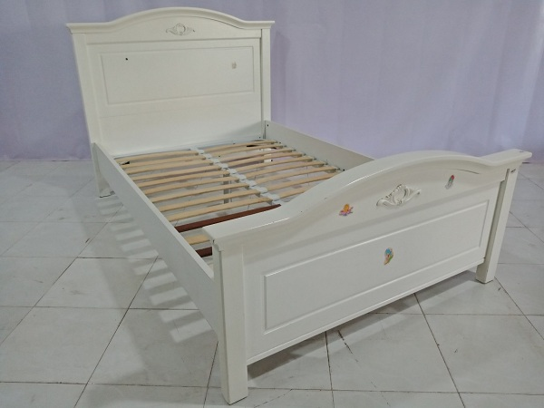Giường gỗ cũ SP006499