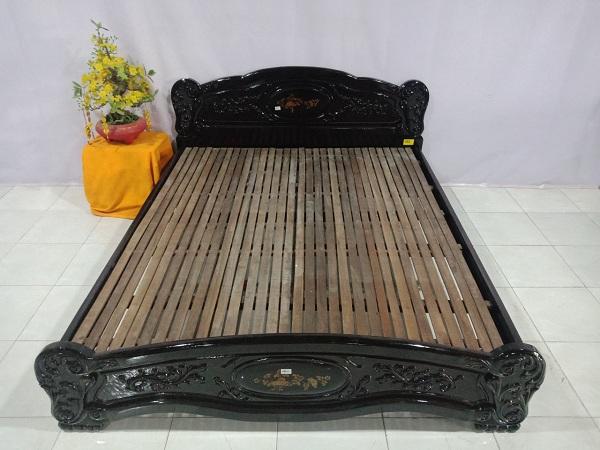 Giường gỗ Muồng cũ SP006632