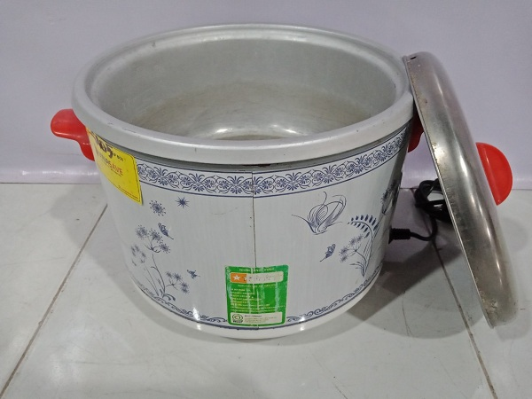 Nồi cơm điện Kim Cương 2.2L cũ
