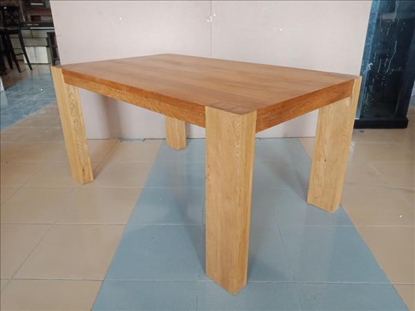 Bàn ăn gỗ tự nhiên mới 100% SP011929