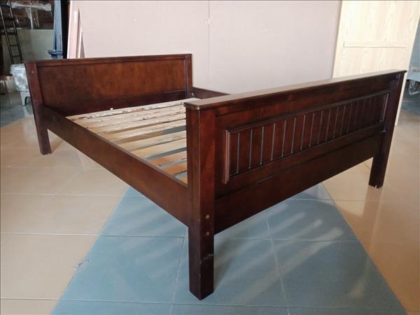 Giường gỗ cao su SP012065