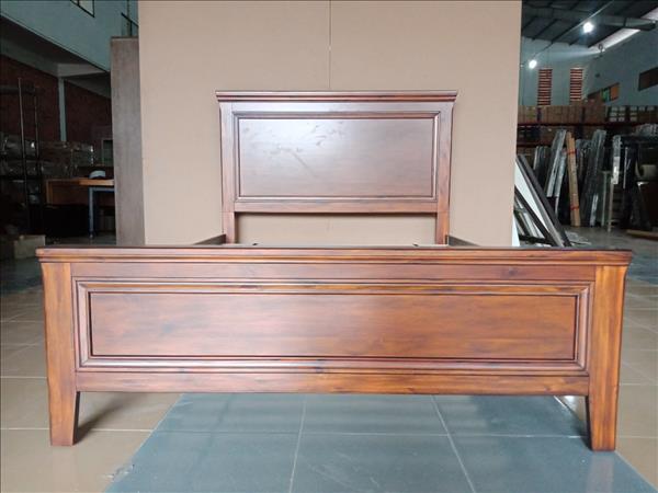 Giường gỗ mới 100% SP012061