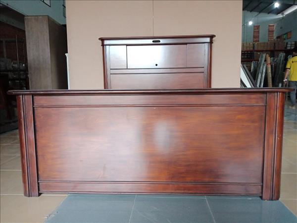 Giường gỗ mới 100% SP012062