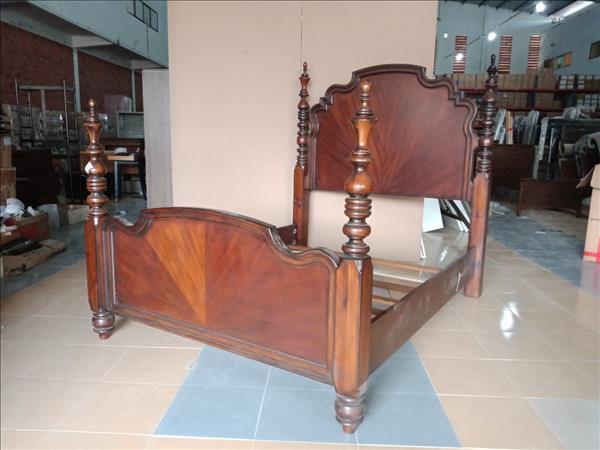 Giường gỗ SP012058