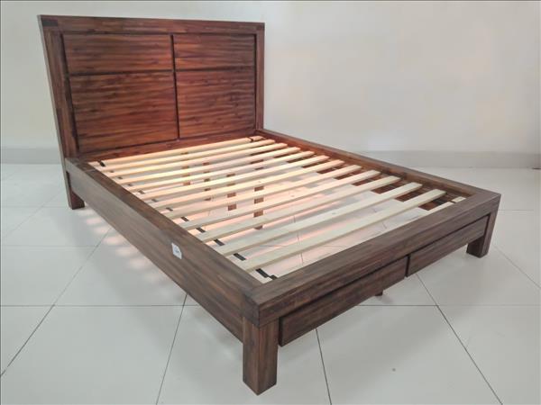 Giường gỗ tự nhiên SP011839