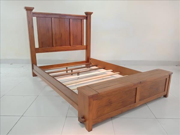 Giường gỗ tự nhiên SP011849